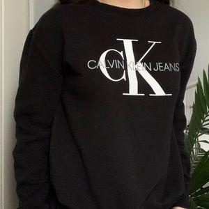 Super soft Calvin Klein women's crew neck